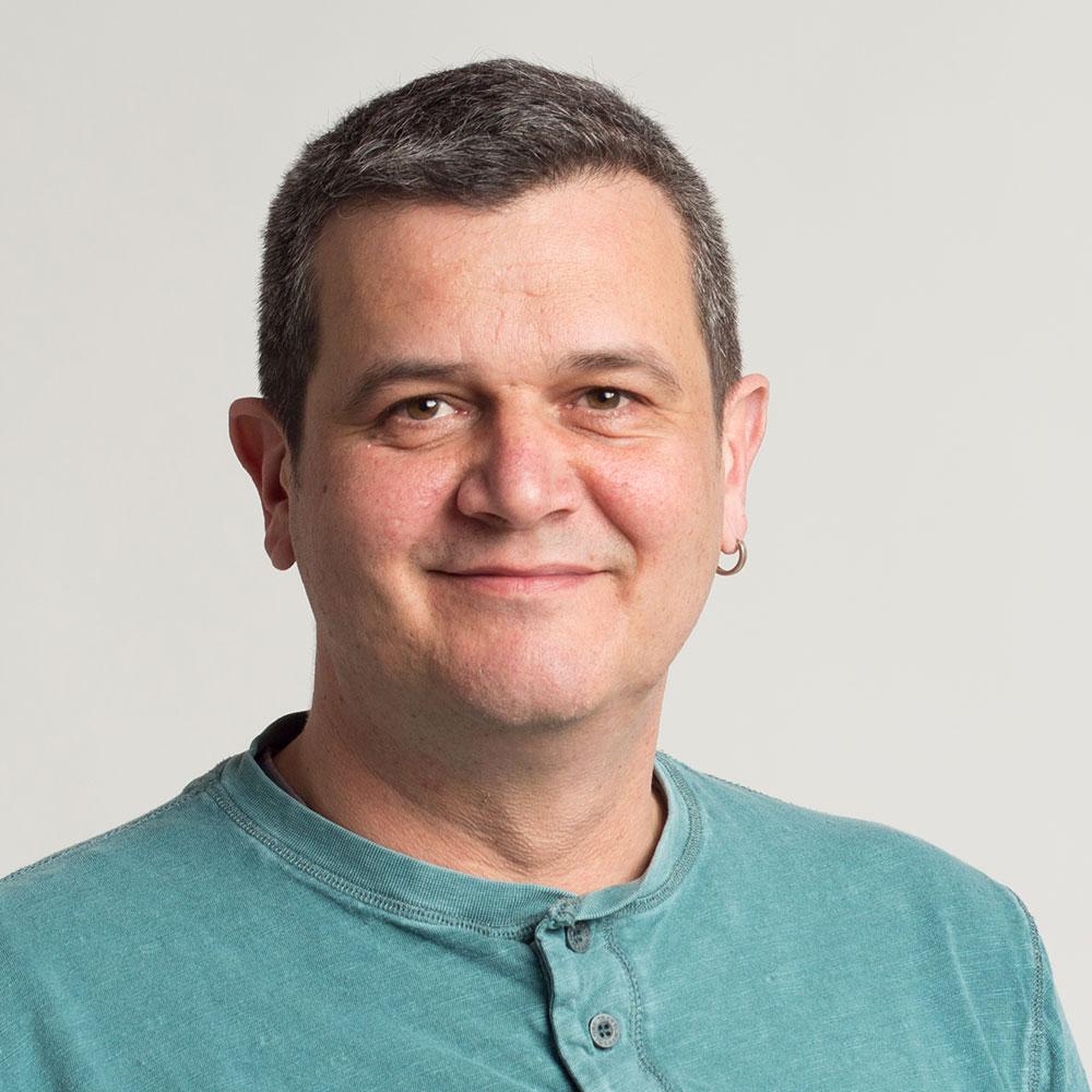 Danilo Bernhardt
